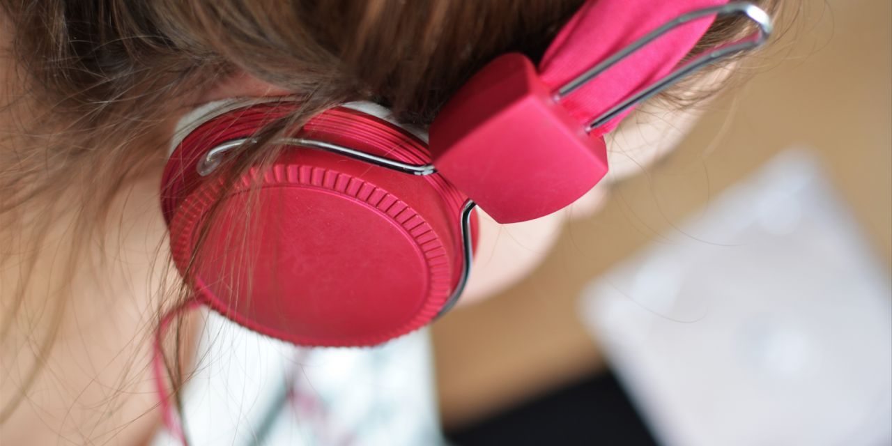 Guide to Decreasing Noise Induced-Hearing Loss in Your Teenager
